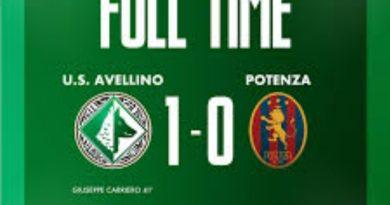 Avellino batte il Potenza 1-0, festa con la Curva Sud